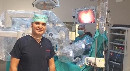 Robotik Kolon ve Rektum Cerrahisi, Prof. Dr. Bahadır Ege